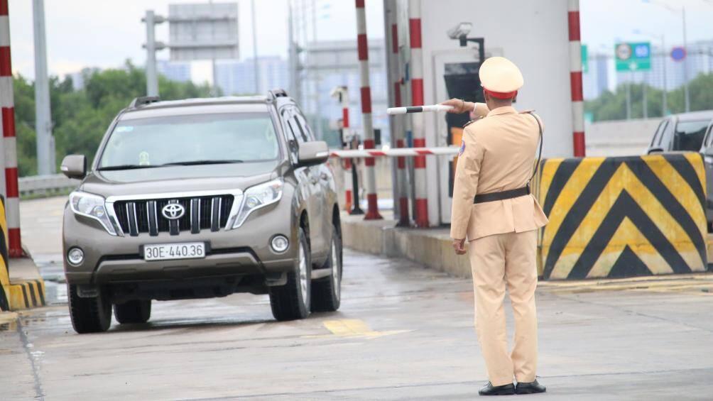 Từ ngày 5/8, CSGT được dừng xe trong những trường hợp nào?