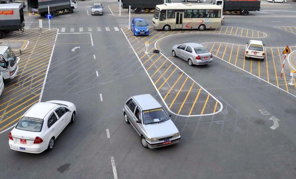 Điều kiện thi bằng lái xe ô tô B2