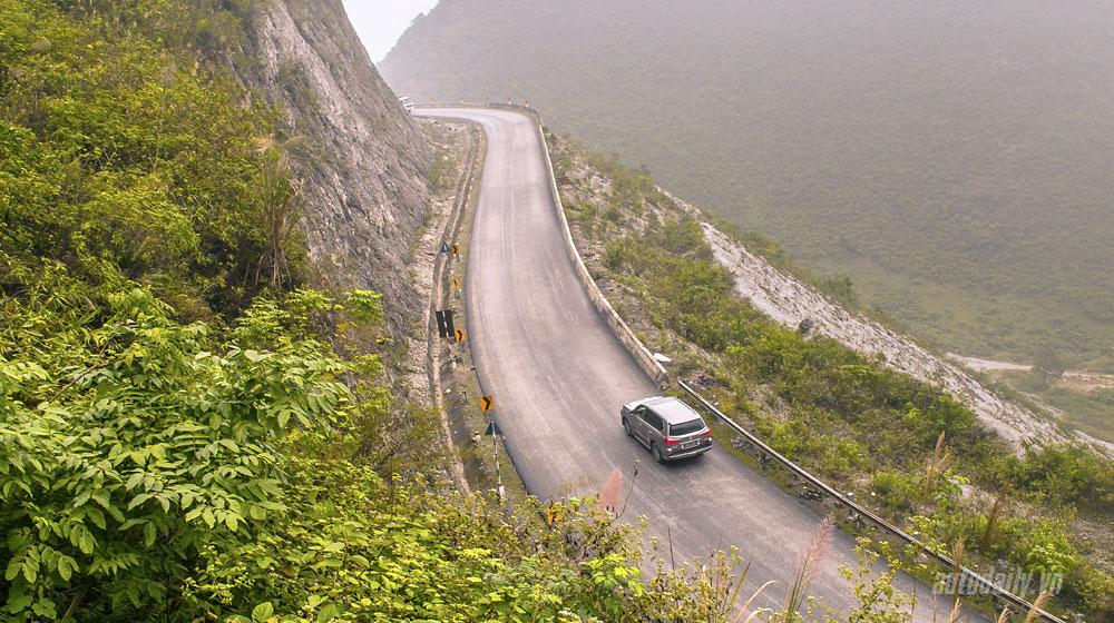 Lái xe đường đèo an toàn nhất