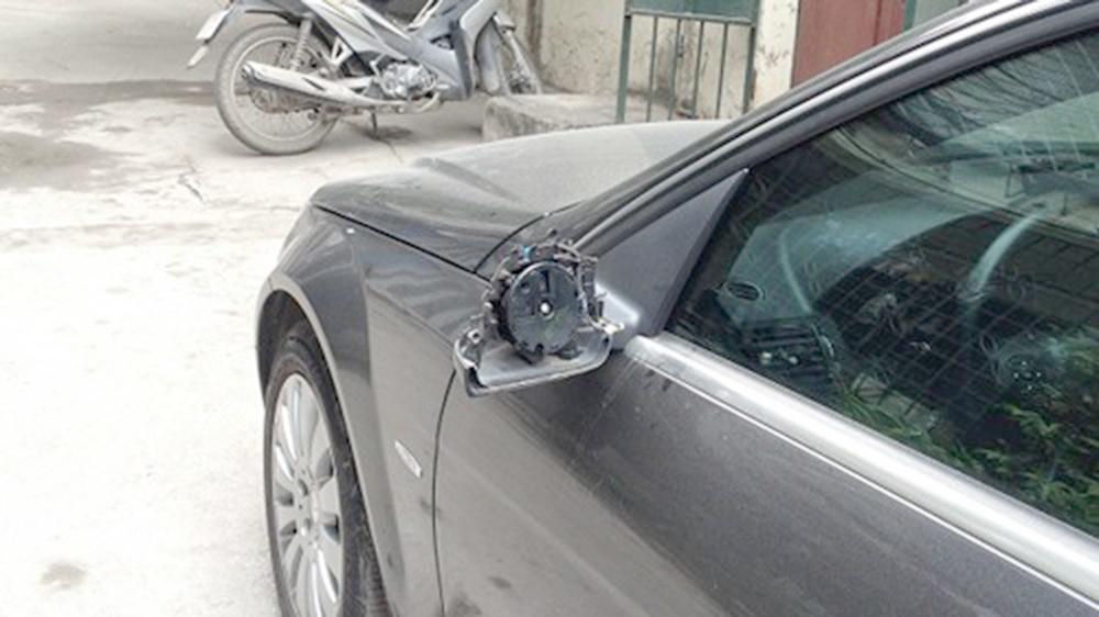 Lỗi điều khiển ô tô không có gương chiếu hậu
