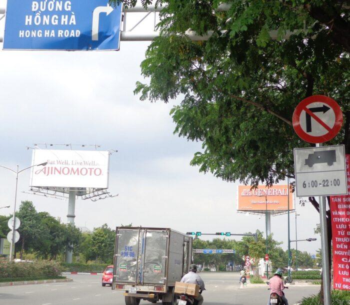Xe tải đi vào đường cấm phạt bao nhiêu